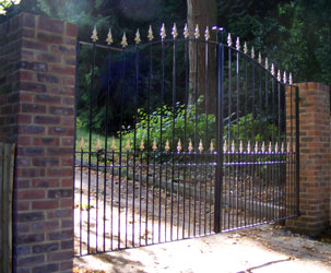 estate gates in hampshire