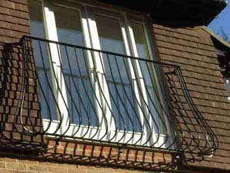 Bow window definition meaning best free home design for Definition for balcony
